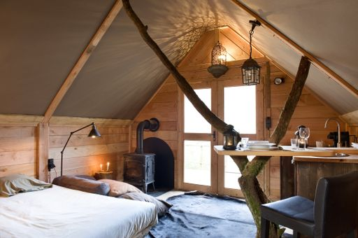 UNUSUAL LUXURY HUTS INTO THE WILD IN RENSIWEZ, BELGIUM